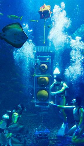 写真:町工場発の深海探査艇江戸っ子1号